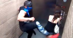Mortal Kombat no Elevador