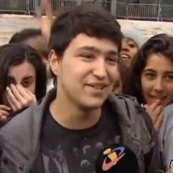 Rapaz de 15 anos ama o Justin Bieber.. e a mãe apoia!