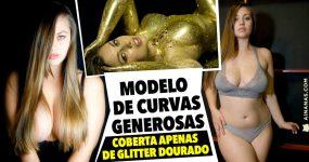 Modelo de CURVAS GENEROSAS coberta apenas de glitter dourado