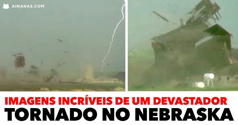 Imagens incríveis de um devastador tornado no NEBRASKA
