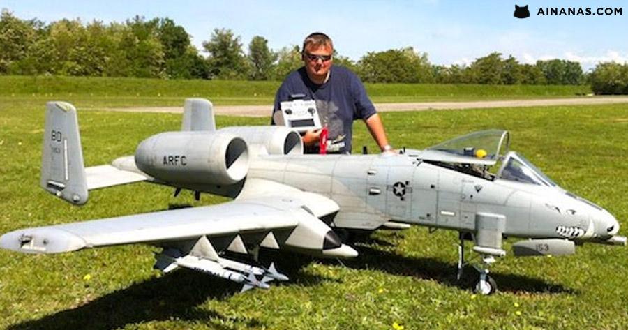 Pasma com este modelo à escala de um A10-Warthog