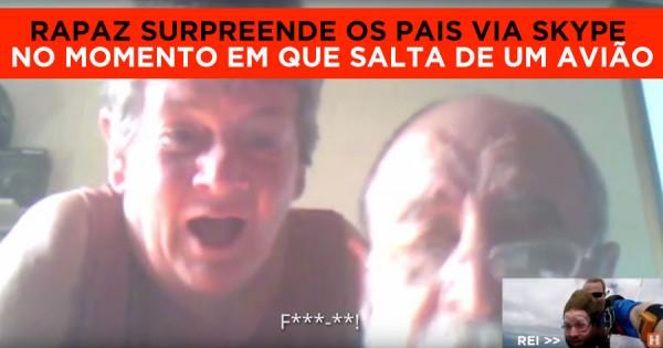 Rapaz Liga aos Pais via Skype Enquanto Salta de um Avião!