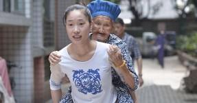 EXEMPLO: Para não Deixar Avó Sozinha, Leva-a às Cavalitas