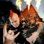Guerreiro Punk toca Gaita-de-Foles Lança-Chamas!