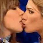 Tesuda ensina a Beijar LIKE A BOSS