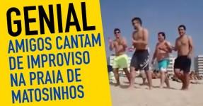 Amigos Cantam de Improviso na Praia em Matosinhos
