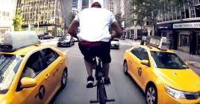NIGEL SYLVESTER Rasga New York City com a Sua BMX