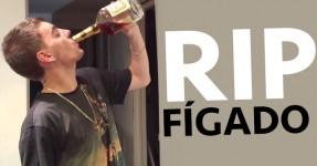 RIP FÍGADO: Maluco Emborca Garrafa de Hennessy