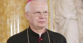 Arcebispo Polaco Culpa Crianças pela Pedofilia