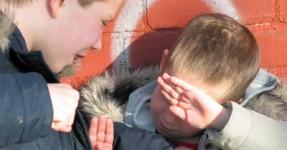 Hidden Cam Apanha Reação de Testemunhas de Bullying