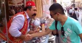 O vendedor de gelados mais TROLL do universo