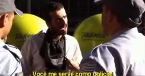 Artista dá uma Lição sobre Liberdade à Polícia