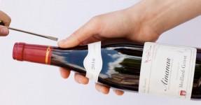 A Luta de uma Vida: Abrir vinho com Chave de Fendas