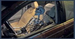 Andou 3000 km com namorada morta no carro