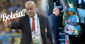 Del Bosque tenta Entrar no Autocarro do Chile