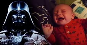 Pai Descobre Como Fazer o Filho Parar de Chorar