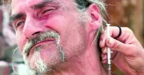 Toxicodependente Vira a Boneca Após se Injectar
