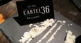 No CARTEL 36 a Refeição Começa com uma Linha de Pó Branco