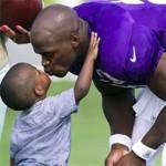 Filho de Jogador da NFL morrre devido a Espancamento