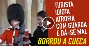 Turista Idiota Atrofia com Guarda e Dá-se Mal